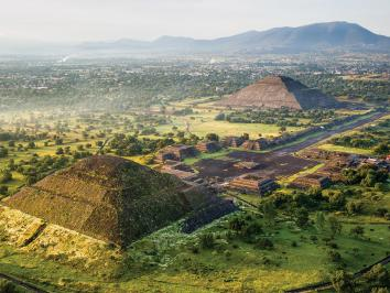 New evidence uncovers old debates in Mesoamerican archaelogy as University of Texas art historian and epigrapher David Stuart weighs in on a Science magazine article on the culture depicted in the image, teotihuacan