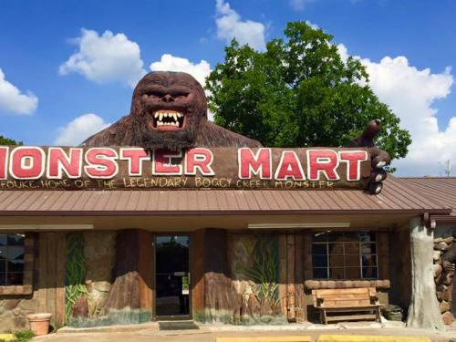 storefront featuring a giant gorilla